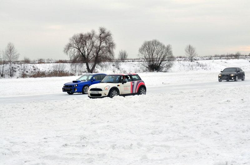 Mini Cooper vs Subaru Impreza