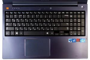 Ноутбук Samsung ATIV Book 6 NP-670Z5E-X01. Клавиатура и тачпад