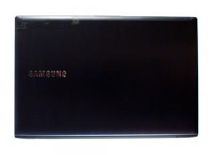 Ноутбук Samsung ATIV Book 6 NP-670Z5E-X01. Вид сверху