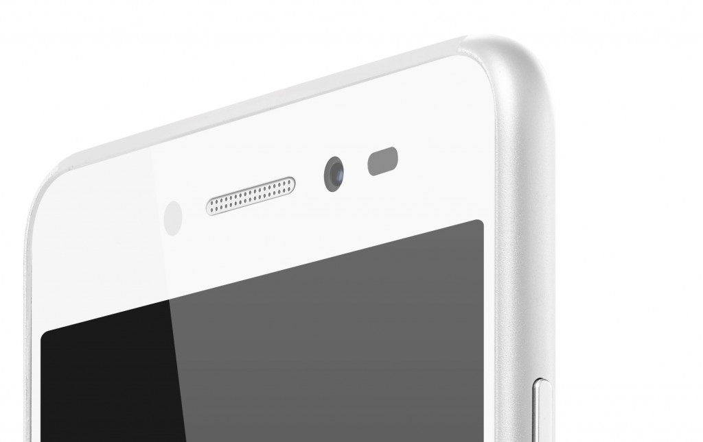 S90_Platinum_Detail_Front%20Camera